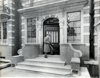 Image: Cecil Thomas outside Dora House c 1950s
